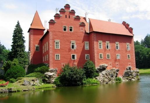 Burgen und Schlösse in Südböhmen - trotz Krise sehr beliebt.